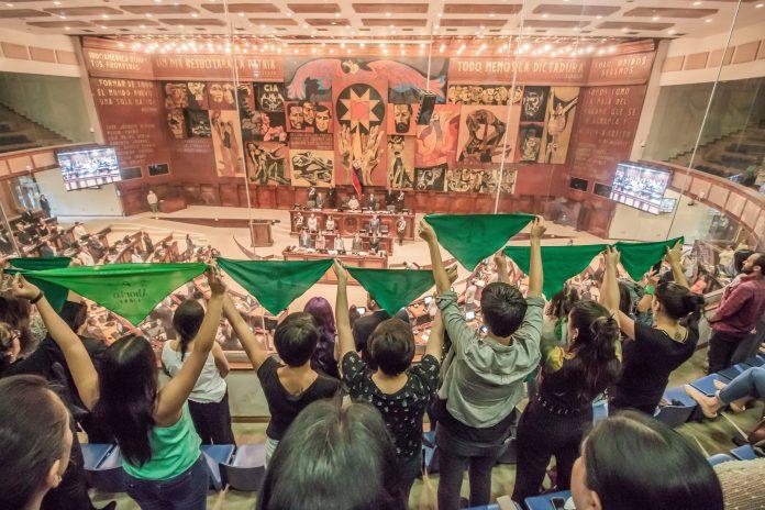Legislación. La Asamblea Nacional tiene seis meses (diciembre 2021) para aprobar la Ley de despenalización del aborto, por violación.(Foto: Ximena Casas)