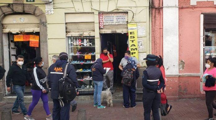 Controles. La Agencia Metropolitana de Control realiza verificaciones de cumplimiento de disposiciones municipales en toda la urbe.