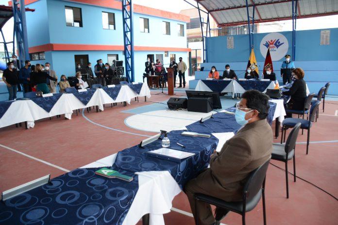POLÉMICA. El Municipio de Quito se encuentra trabajando a medias debido a la pugna interna. Los concejales no acuden a las convocatorias de Yunda.