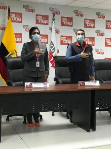 Tania Obando, gobernadora de Esmeraldas, y Alex Estupiñán Moreno, jefe del centro operativo local ECU 911 Esmeraldas.