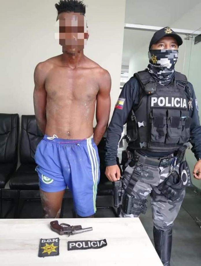 DETENCIÓN. Ciudadano fue sorprendido con un arma de fuego en el sector de Codesa, se presume que con ella cometía delitos de robo en el sector.