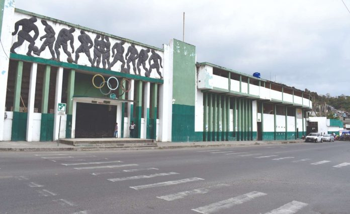 GESTIÓN. La FedeEsmeraldas junto a la coordinación zonal 1 de Deportes buscan reactivar el deporte con la reapertura a encuentros de clubes de primera división.
