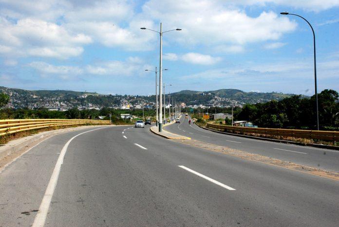 CONTROL. Los fotorradares de la vía del sistema de puentes serán activados para controlar la velocidad de los conductores y evitar accidentes de tránsito.