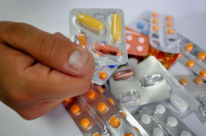 Problemática. Un examen especial detectó que entre 2007 y 2020, 3.804 medicamentos caducaron en 101 unidades de salud del IESS.