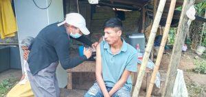 Barreras. De 8.000 personas que forman parte de la nacionalidad Awá, un promedio de 100 están vacunados. Llegar a la totalidad parece una tarea difícil.