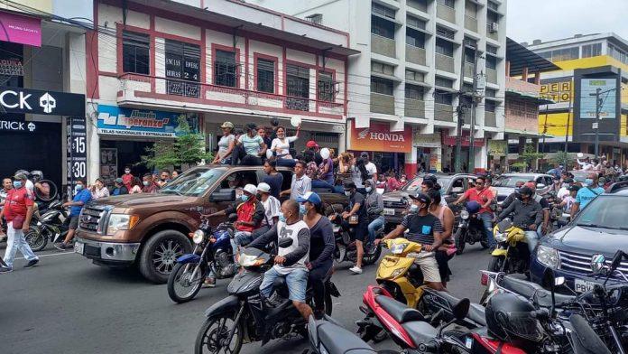 Los ínversionistas' realizaron marchas respaldando a Don Naza