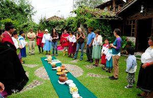 Actividades. Los visitantes participan en ceremonias ancestrales de las culturas kichwa. (Fotos: San Clemente Tours)
