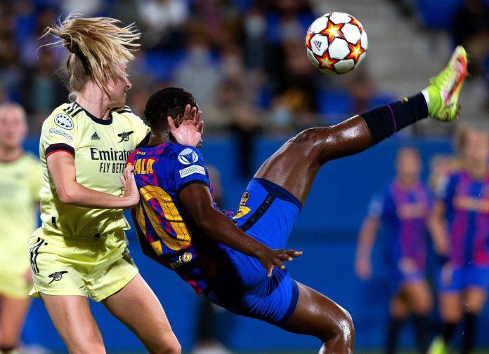 Los problemas de acoso y abuso contra las deportistas parece ser un hecho generalizado. En la foto referencial, jugadoras del fútbol español.