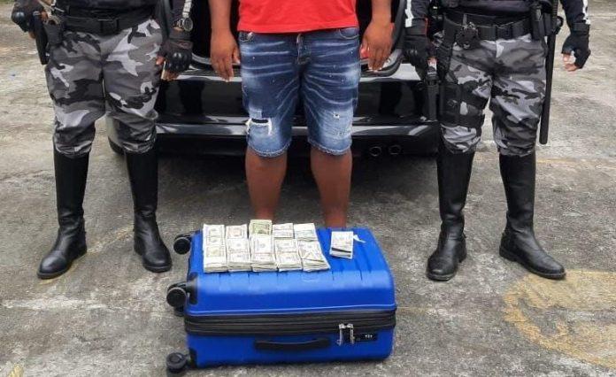 Transporte dinero ilegal