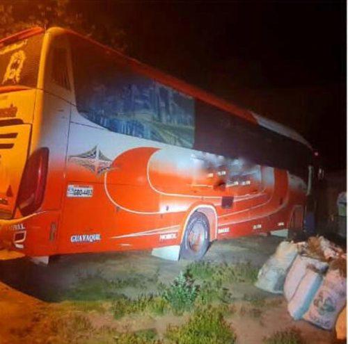 Robaron los accesorios de un bus que estuvo estacionado durante más de un mes.