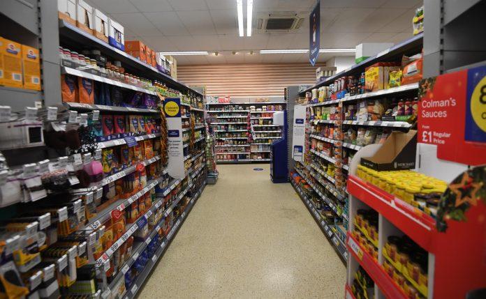 Las tiendas de EE.UU enfrentan una posible falta de productos por problemas logísticos que ya han ocurrido en otros países del mundo.