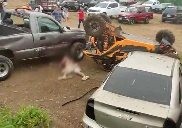 FOTO 1 TRAGEDIA. El hombre quedó malherido, pero minutos después falleció.
