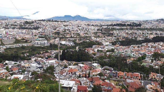 La población en Ambato creció de forma desordenada y eso incluye asentamientos en zonas de riesgo.