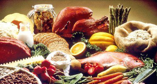 El consumo de ciertos alimentos pueden ayudar a prevenir desequilibrios hormonales.