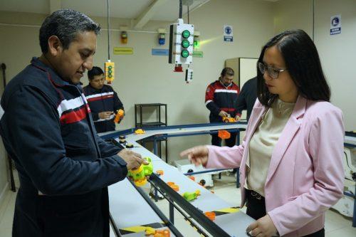 La Universidad cuenta con laboratorios con tecnología de punta, simuladores, bibliotecas virtuales y más.