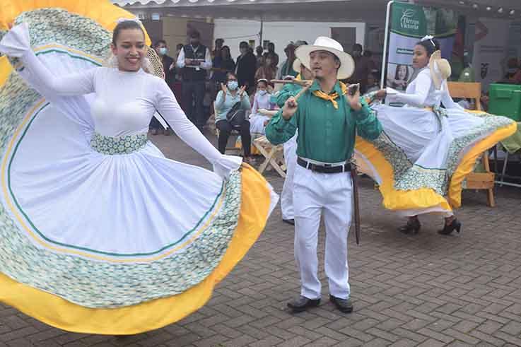 PRESENTACIÓN. La danza fue uno de los atractivos del evento.